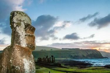 モアイ像で有名なイースター島のある国や場所はどこ?