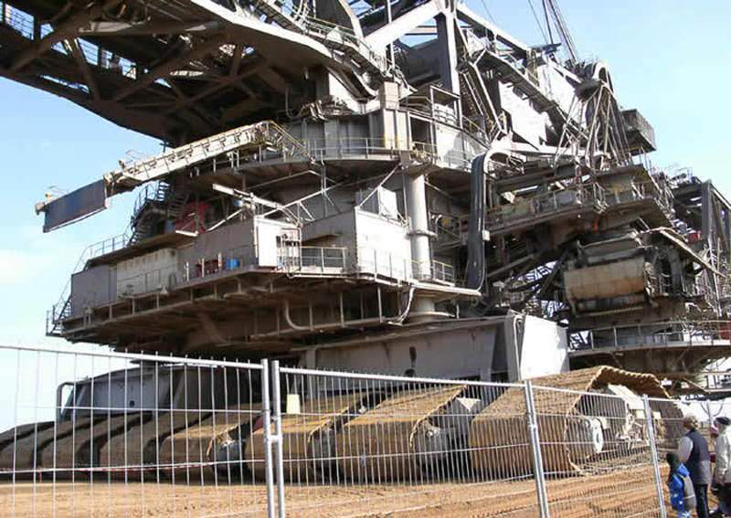 bagger 288 largest land vehicle in the world