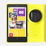 Nokia Lumia 1020 Front and Back View