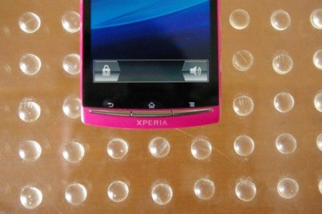 sony-ericsson-xperia-arc-pink (6)