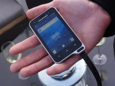 Sony Ericsson Xperia active (6)