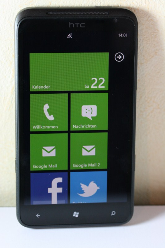 Windows Phone HTC Titan ausgepackt (Video)