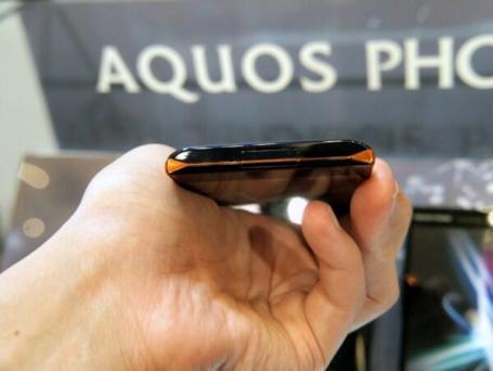 Sharp Aquos Phone 104SH Android (12)