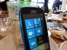 Nokia Lumia 610 (4)