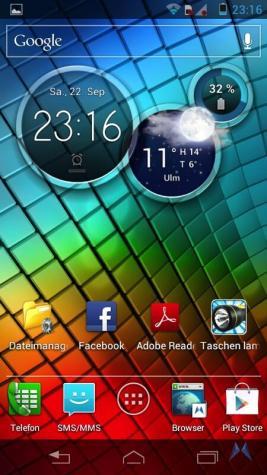 Motorola RAZR i Homescreen 2012-09-22 23.16.51