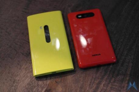 Nokia Lumia 820 (12)