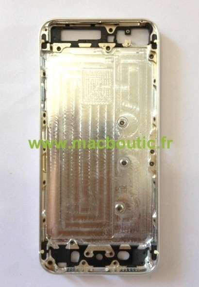photo_2_iPhone_5S_Coque_Chassis_Or