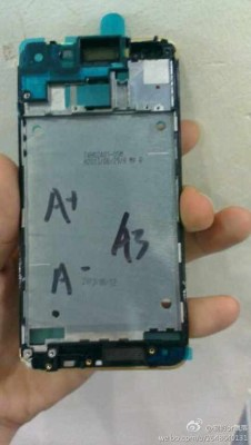HTC-One-gold-leaked-02