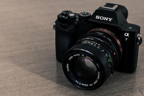 Die Sony α7 mit adaptiertem Canon New FD 50mm f/1.4-Objektiv