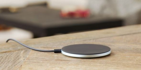 Wireless-Charging-Plate-WCH10-at-home-f89af5e502e8b8de95acc4eb4d5bec31-620