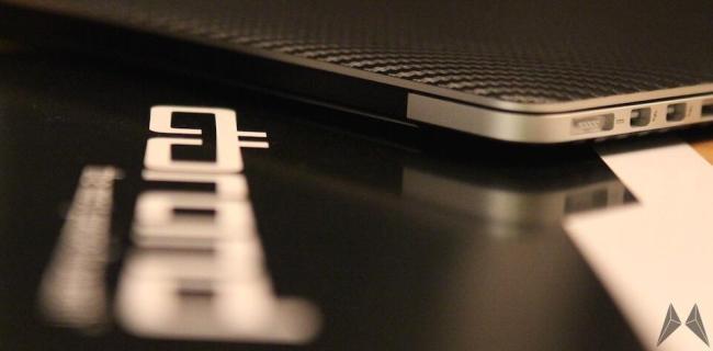 dBrand Macbook Pro Skin Carbon für das Appe Macbook Pro Retina
