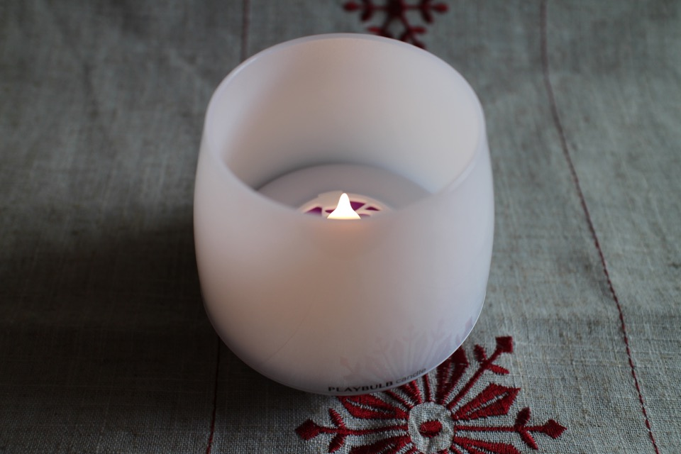 MiPow Playbulb Candle_21