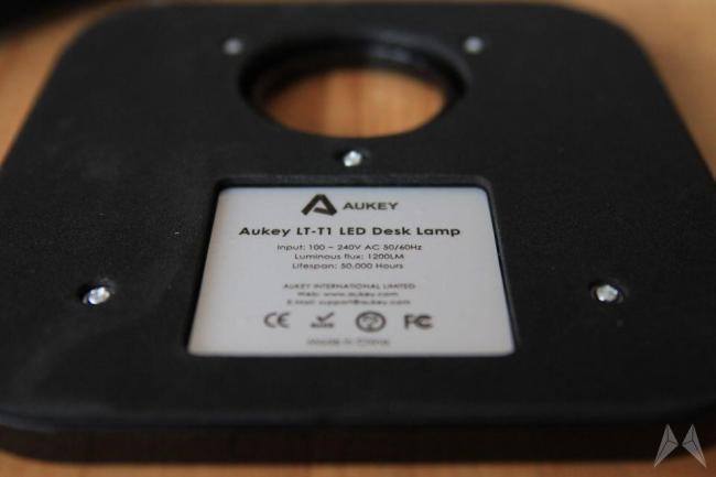 Aukey LT-T1 dimmbare LED Schreibtischlampe Fuß