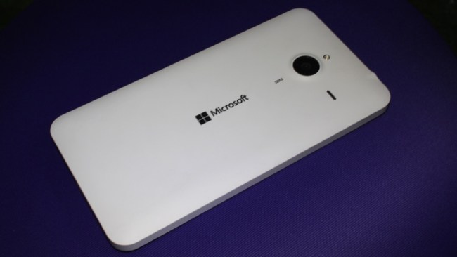 Microsoft Lumia 640 XL back