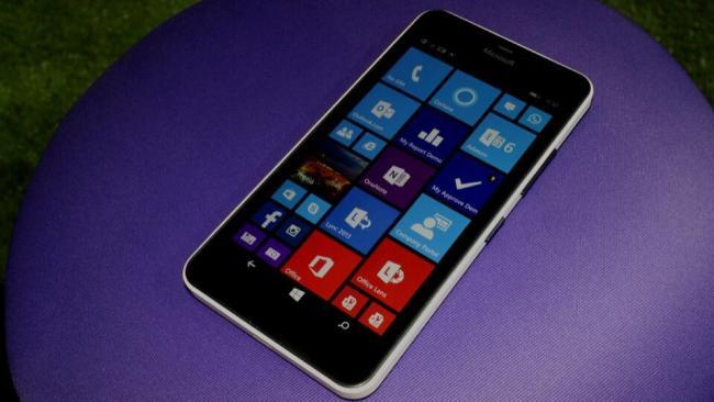 Microsoft Lumia 640 XL front