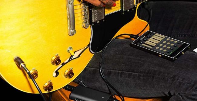 Marshall London Phone an E-Gitarre