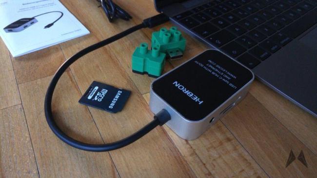 USB-C-Multiport-Hub für das Macbook 2015 20150725_072724