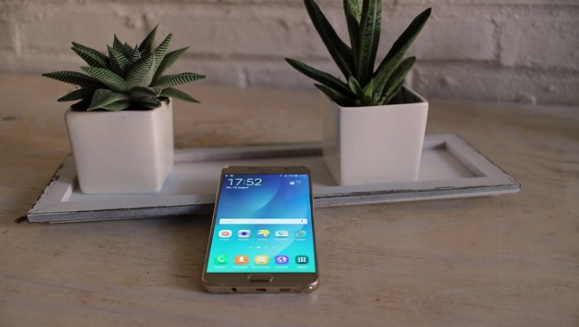 Samsung_Galaxy_Note_5_1