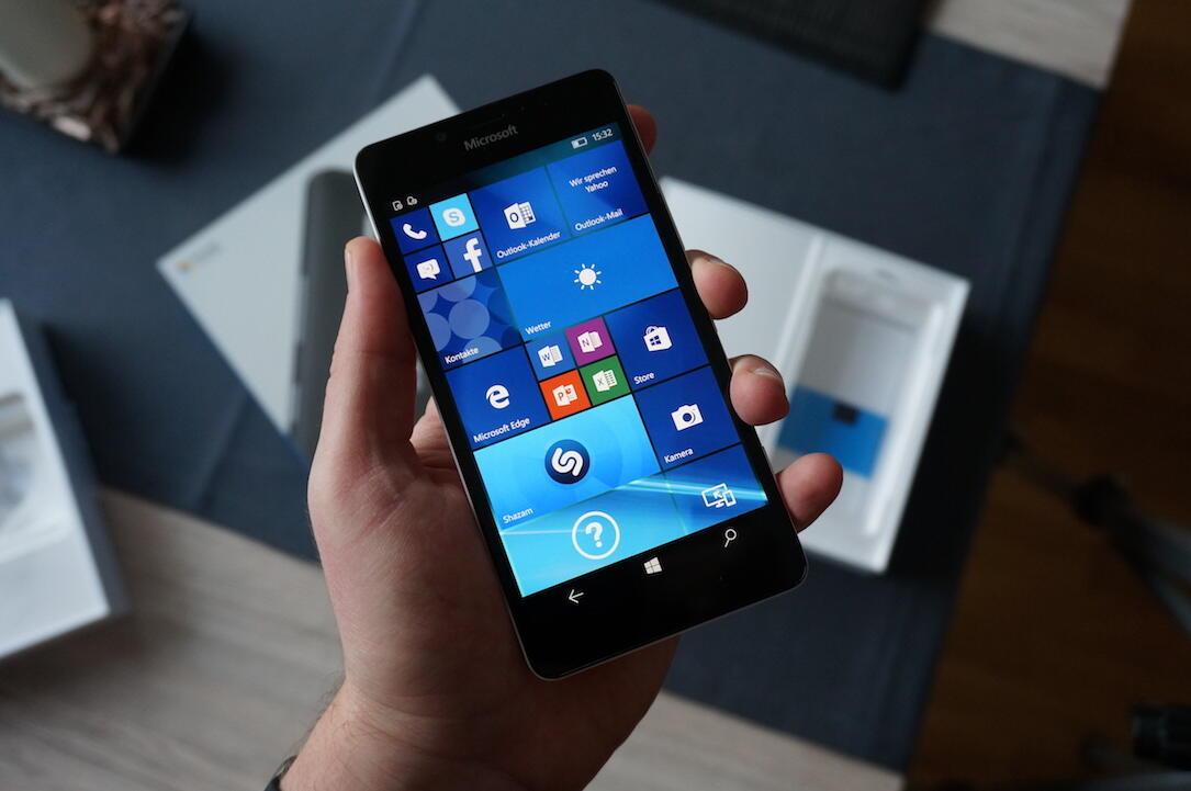 Microsoft Lumia 950 Unboxing3