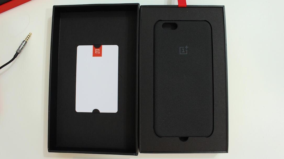 OnePlus iPhone Case Box