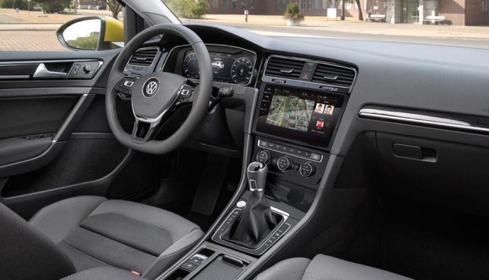 vw-golf-7-facelift-interieur