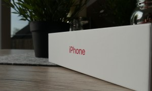Apple Iphone 8 Red Unboxing2