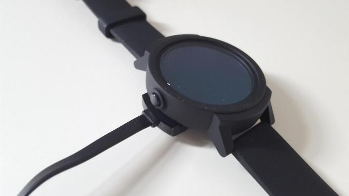 Ticwatch E Charging