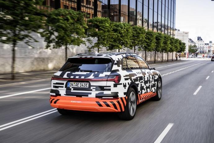 Audi E Tron 2018 Header