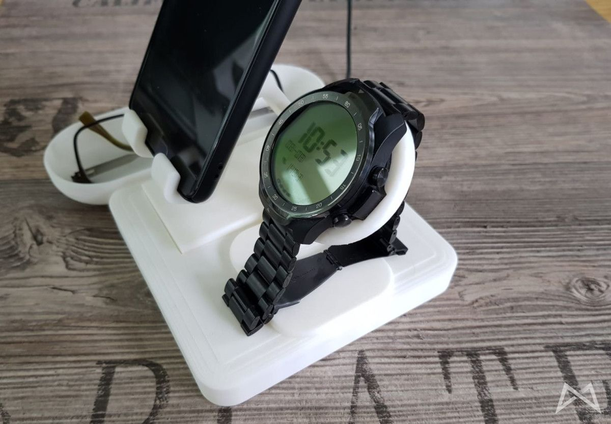 Mobvoi Ticwatch Pro Metallarmband Staender Img 20180808 Wa0005