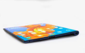 Huawei Mate X Handson1
