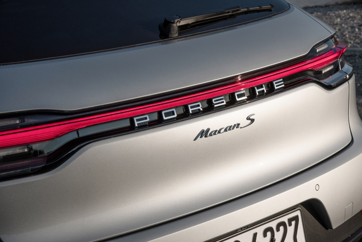 Porsche Macan Header