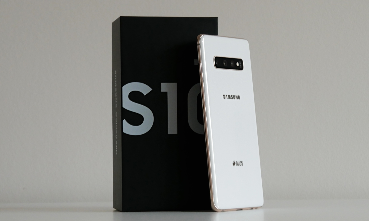 Samsung Galaxy S10 Plus Unboxing Header