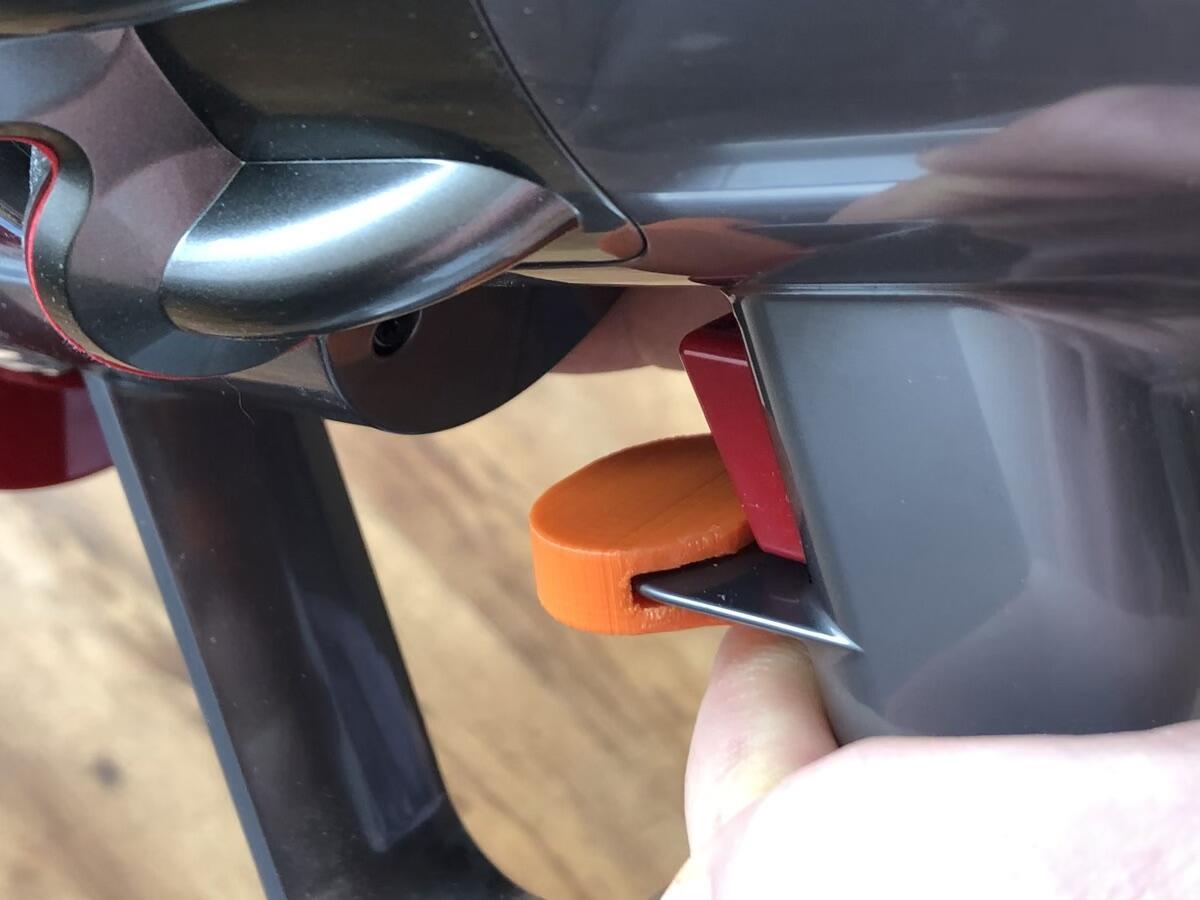 Dyson V11 Schalter Fixierung3