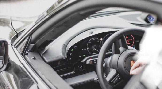 Porsche Taycan Interieur2