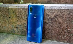 Motorola One Vision Back
