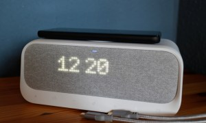 Anker Soundcore Wakey Charging