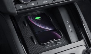 Skoda Phone Box