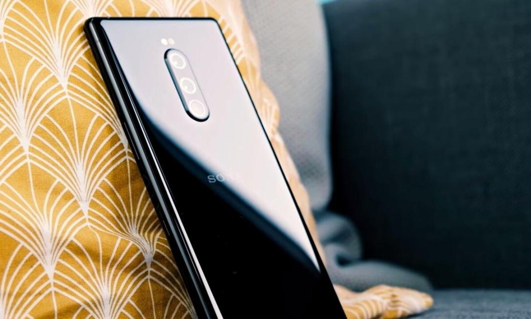 Sony Xperia 1 Header