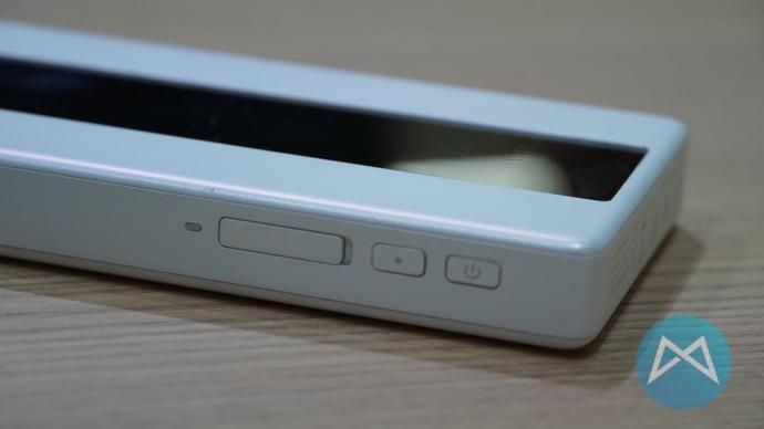 Huawei E6878 Tasten und SIM Slot.