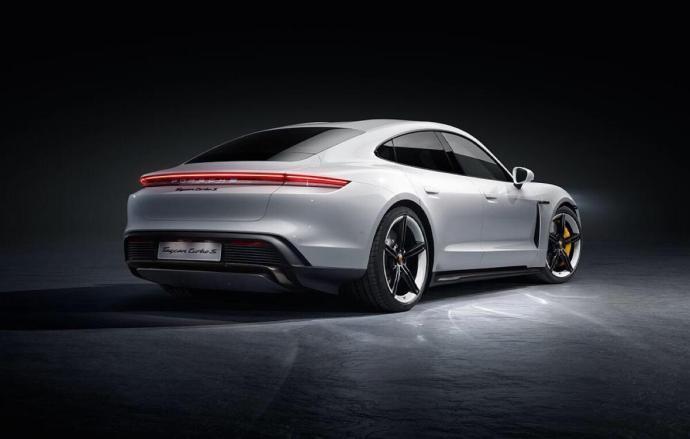 Porsche Taycan Back
