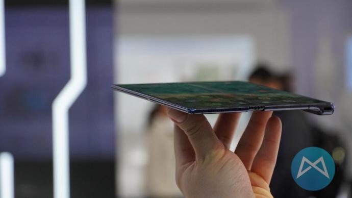 Huawei Mate X 5g Duenn