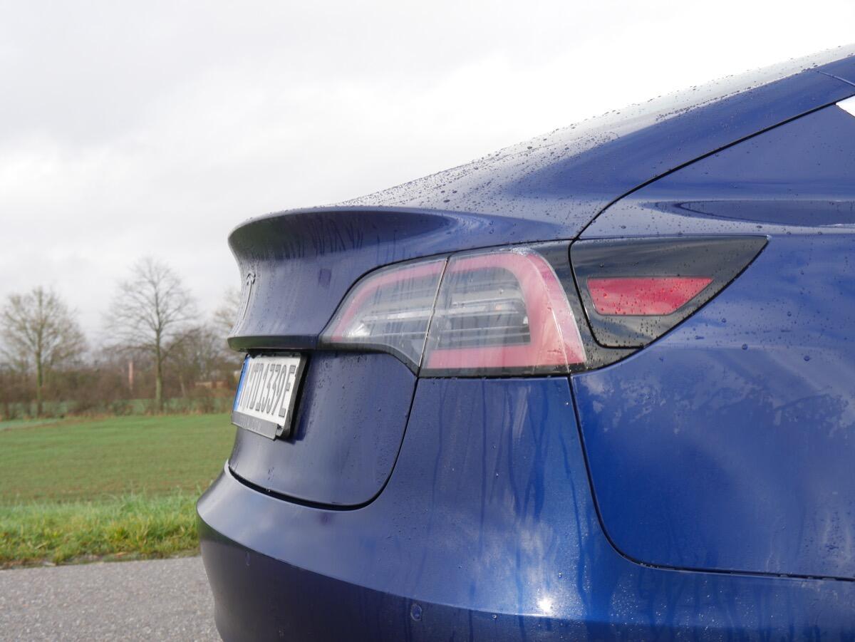 Tesla Model 3 Test10