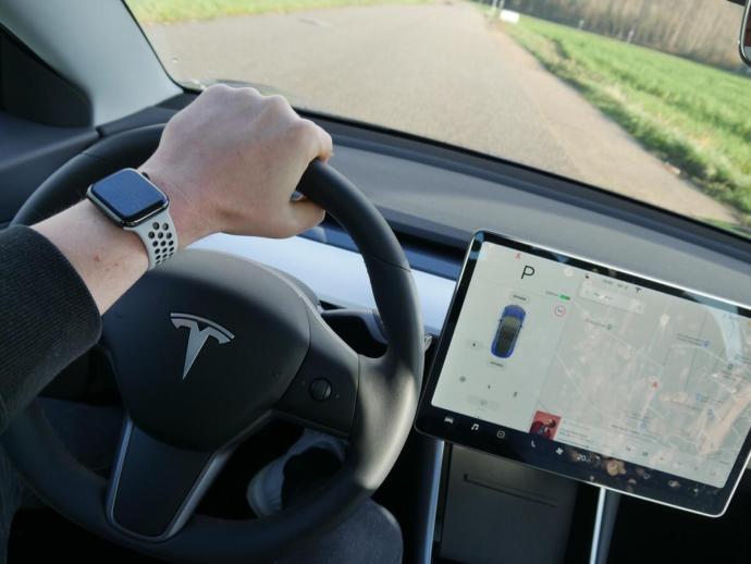 Tesla Model 3 Test8