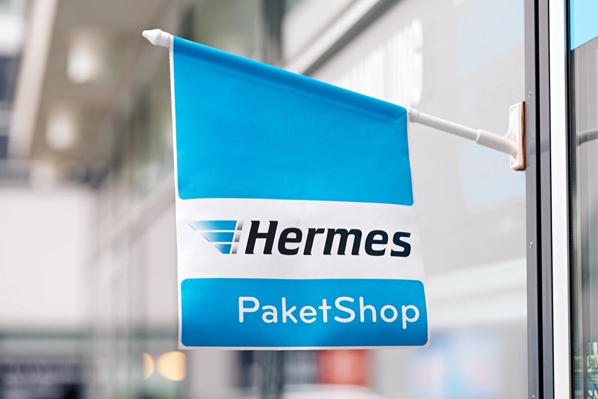 Hermes Paketshop Flagge