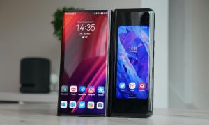 Huawei Mate Xs Samsung Galaxy Fold Test9