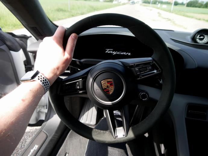 Porsche Taycan Turbo S Inteieur