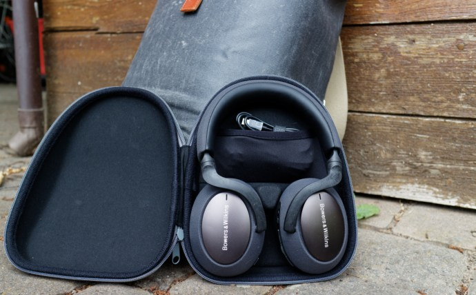 Bowers Wilkins Px7 Case 1