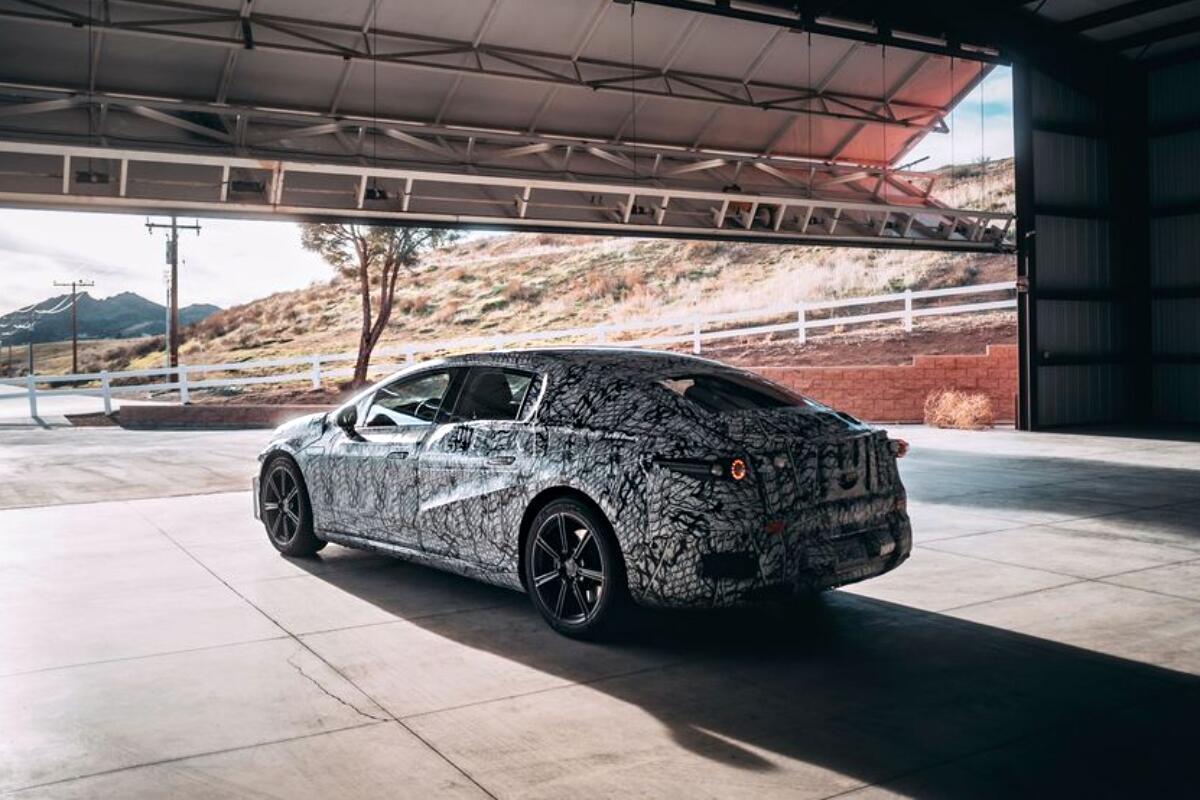Mercedes-Benz EQS soll mit 700+ km Reichweite überzeugen