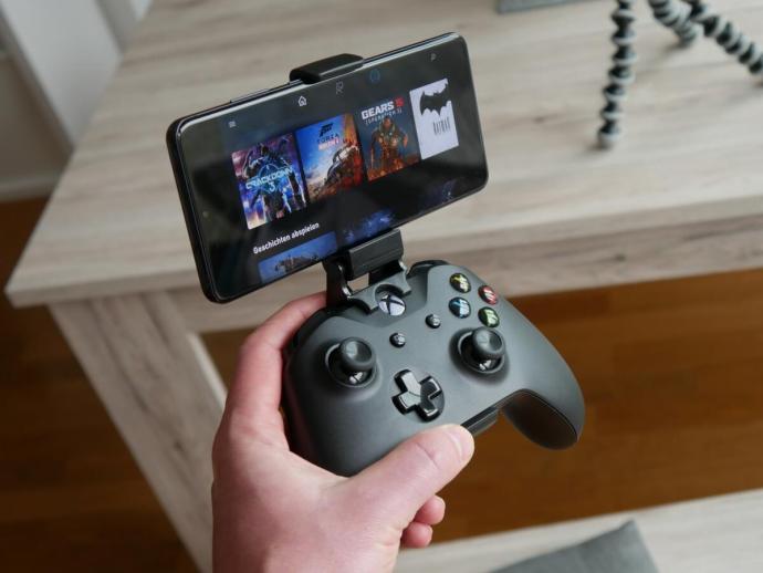 Microsoft Xcloud Hand Controller