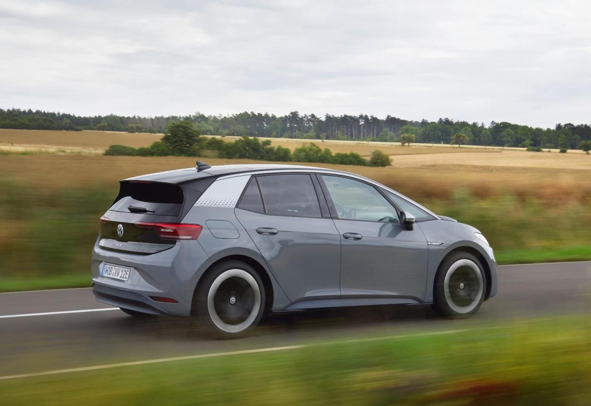 VW ID.3: Volkswagen überholt Tesla Model 3